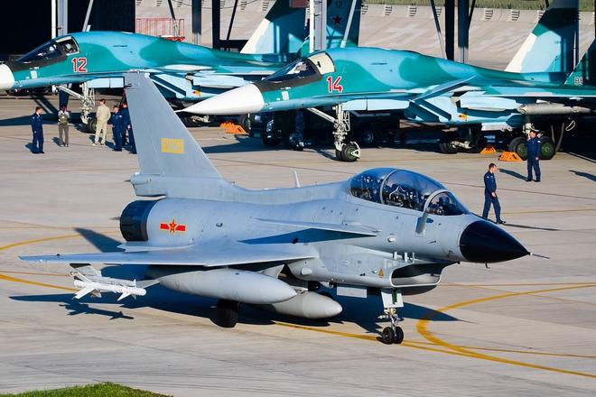 Su-34 đến chào Trung Quốc: Thất thểu quay về vì không có đất? - Ảnh 1.