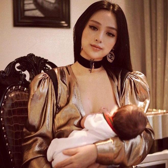 2 tuần sau sinh con, Huyền Baby đã tái xuất xinh đẹp, tự tin khoe ảnh trang điểm lộng lẫy cho con bú - Ảnh 2.