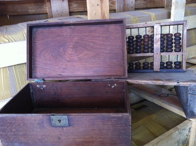 gỗ-sưa, kinh-bắc, ông-trùm, đồ-gỗ, siêu-phẩm, ngàn-năm, quý-hiếm, giường, gối