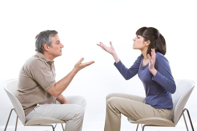 Nhiều người khi ly hôn đã đưa ra những lý do đòi bồi thường không thể tin nổi (Ảnh minh hoạ IT)