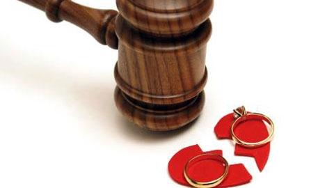 Những lý do đòi bồi thường ly hôn khiến các Thẩm phán đau đầu
