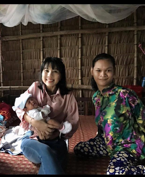 Cuộc sống đã có niềm vui của người mẹ điên sinh con gái vì bị hiếp dâm sau một tháng được mọi người giúp đỡ - Ảnh 12.