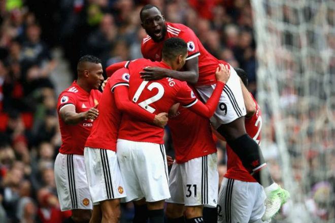 MU-Mourinho ảo tưởng sức mạnh: Bắt nạt nhóm cuối bảng, dè chừng vỡ mộng - 1