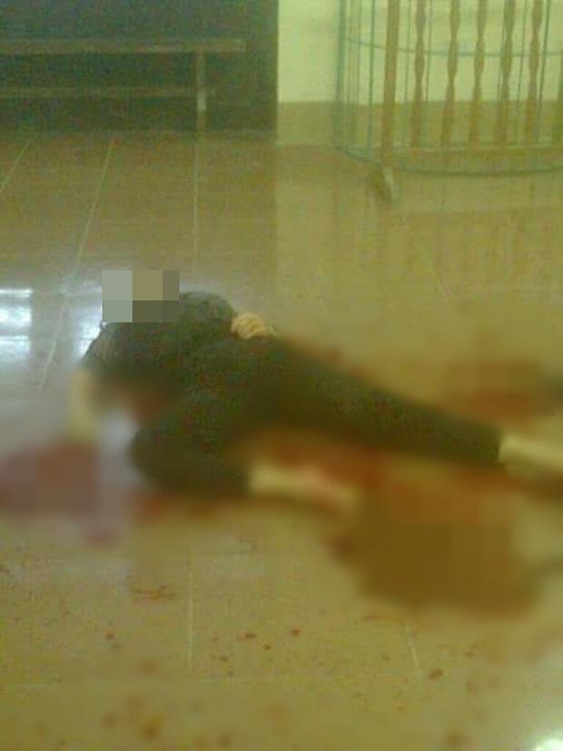 Phú Thọ: Thấy vợ đi làm thủ tục ly hôn, chồng dùng hung khí đâm vợ tử vong tại tòa án - Ảnh 1.