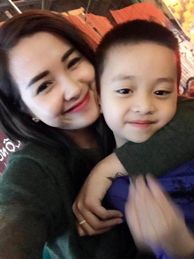 Single mom xinh đẹp kể về những ngày đi diễn kiệt sức để kiếm tiền, con ở nhà gọi ông bà là bố mẹ - Ảnh 3.