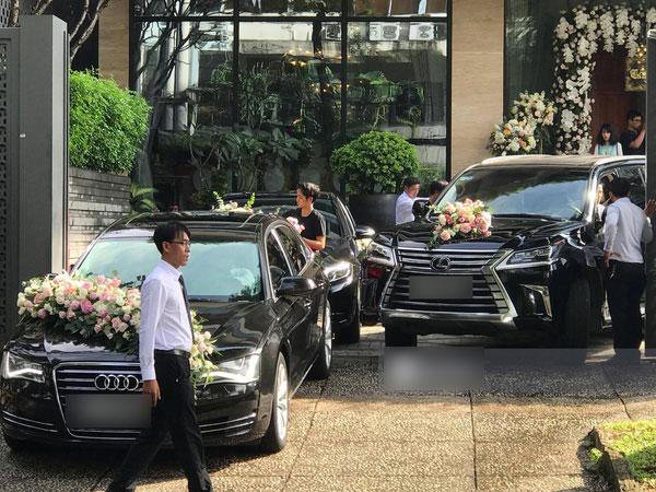 Cận cảnh dàn siêu xe vài chục tỷ đồng trong lễ đón dâu của Hoa hậu Thu Thảo diễn ra sáng nay