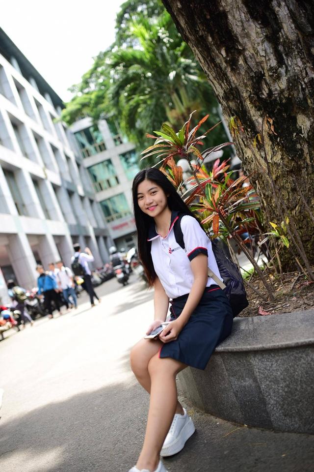 Ngoài đời, Nam Phương là cô gái giản dị, yêu thích các hoạt động từ thiện.