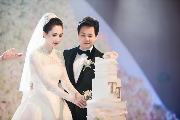 Ảnh đẹp: Đặng Thu Thảo e ấp hôn má chú rể Trung Tín trong ngày trọng đại - Ảnh 9.