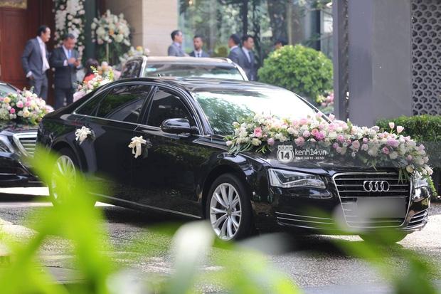 Cận cảnh dàn siêu xe vài chục tỷ đồng trong lễ đón dâu của Hoa hậu Thu Thảo diễn ra sáng nay - Ảnh 2.