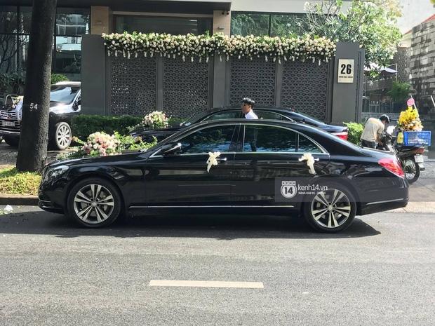 Cận cảnh dàn siêu xe vài chục tỷ đồng trong lễ đón dâu của Hoa hậu Thu Thảo diễn ra sáng nay - Ảnh 6.