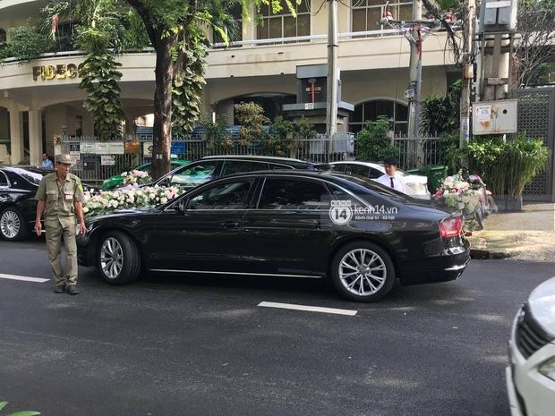 Cận cảnh dàn siêu xe vài chục tỷ đồng trong lễ đón dâu của Hoa hậu Thu Thảo diễn ra sáng nay - Ảnh 7.