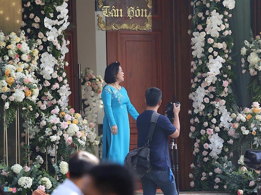Dan sieu xe chuan bi cho le ruoc dau Hoa hau Dang Thu Thao hinh anh 8