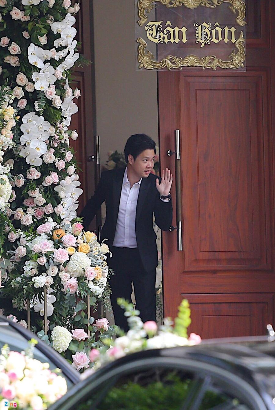 Dan sieu xe chuan bi cho le ruoc dau Hoa hau Dang Thu Thao hinh anh 10