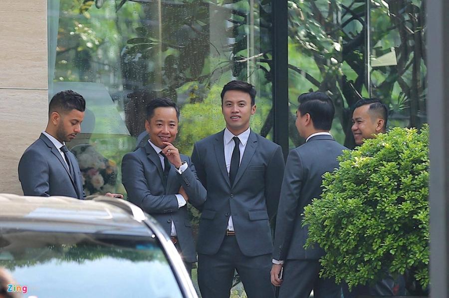 Dan sieu xe chuan bi cho le ruoc dau Hoa hau Dang Thu Thao hinh anh 11