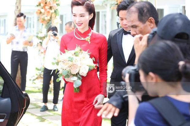 Diện áo dài đỏ rực, cô dâu Thu Thảo tiếp tục đốn tim fan bằng nhan sắc vô cùng rạng rỡ và xinh đẹp - Ảnh 6.