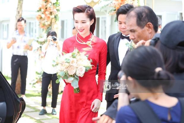 Diện áo dài đỏ rực, cô dâu Thu Thảo tiếp tục đốn tim fan bằng nhan sắc vô cùng rạng rỡ và xinh đẹp - Ảnh 7.