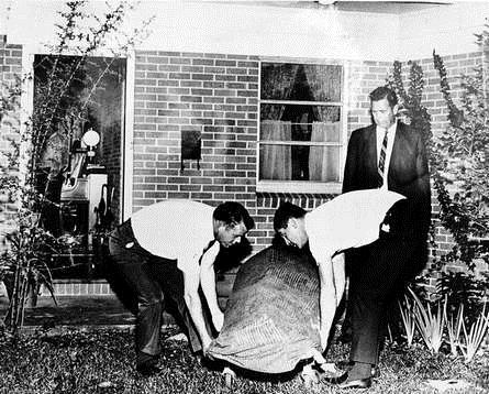 Gia đình 3 người bị thảm sát, biết rõ kẻ hãm hại nhưng hơn 50 năm, cảnh sát vẫn không vạch mặt được hung thủ - Ảnh 2.