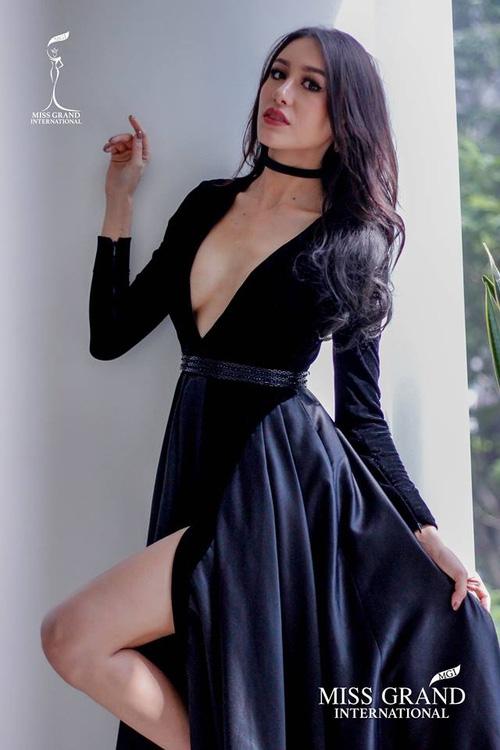 Hoa hậu Hòa bình Quốc tế tại VN: Bị máy quay chĩa vào ngực, HH Thái Lan lập tức phản ứng  - Ảnh 2.