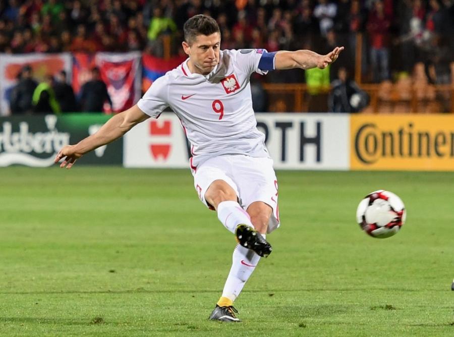 Lewandowski pha ky luc cua Ronaldo o vong loai World Cup hinh anh 2