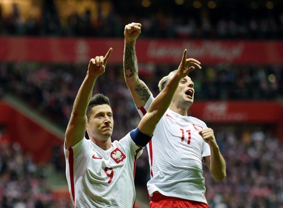 Lewandowski pha ky luc cua Ronaldo o vong loai World Cup hinh anh 4