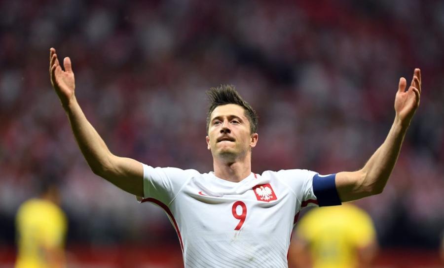 Lewandowski pha ky luc cua Ronaldo o vong loai World Cup hinh anh 5