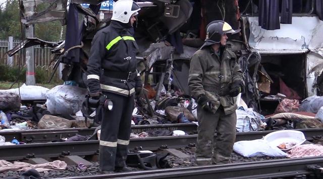 Theo số liệu thống kê ban đầu của Ủy ban Điều tra Liên bang Nga, có ít nhất 16 người, trong đó có 1 trẻ em thiệt mạng. Những người bị thương đã được chuyển tới bệnh viện cấp cứu. (Ảnh: Sputnik)