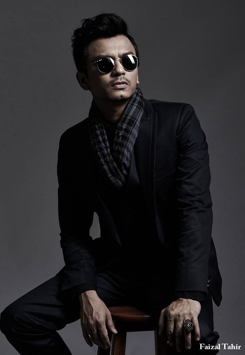 Nhung doi thu 'nang ky' cua Dam Vinh Hung tai MTV EMA 2017 hinh anh 7