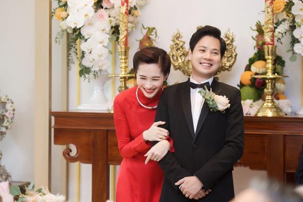 Toàn cảnh lễ rước dâu: Đặng Thu Thảo rơm rớm nước mắt bên ông xã Trung Tín - Ảnh 3.