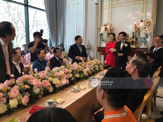 Toàn cảnh lễ rước dâu: Đặng Thu Thảo rơm rớm nước mắt bên ông xã Trung Tín - Ảnh 7.