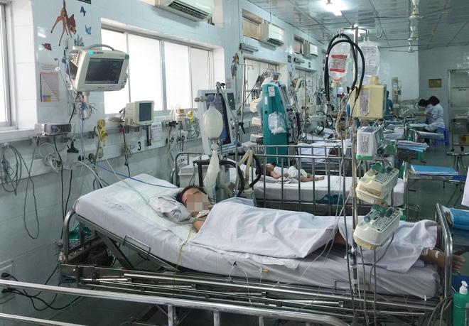 TP.HCM: Một bé trai 11 tuổi bị sốt xuất huyết cực nặng, truỵ tim nguy kịch - Ảnh 1.