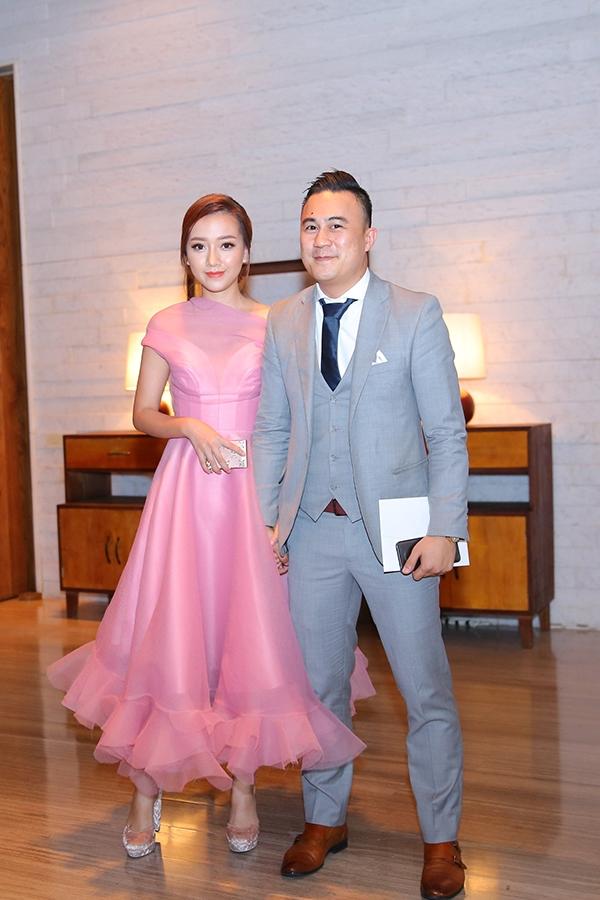 Ca sĩ Băng Di và bạn trai Việt kiều.