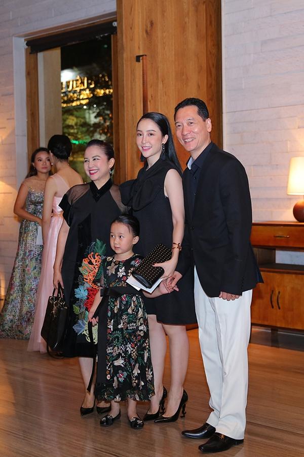 Gia đình nghệ sĩ múa Vương Linh - Linh Nga - Đặng Hùng.
