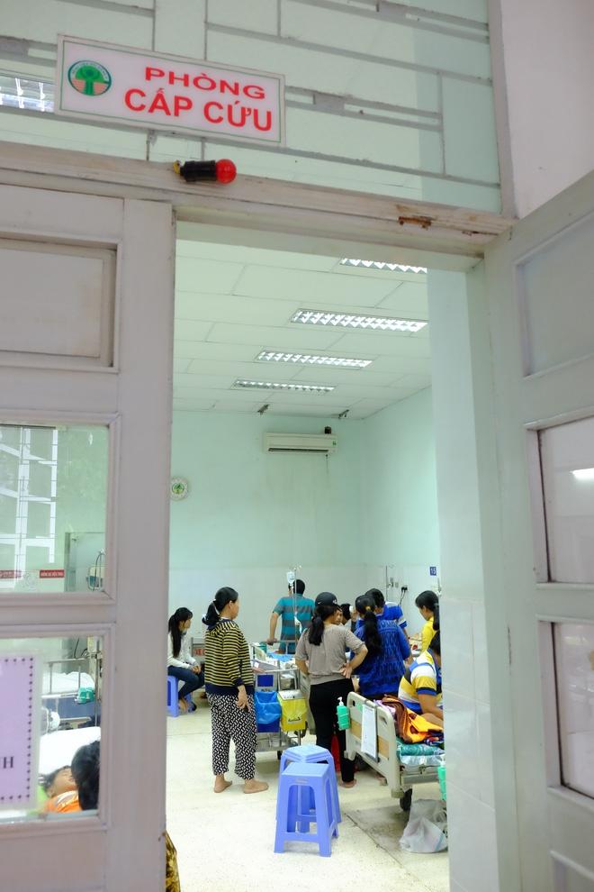 Vụ tai nạn kinh hoàng ở Tây Ninh: Con gái bị xuất huyết não, mẹ chỉ biết khóc nguyện cầu cho con - Ảnh 7.