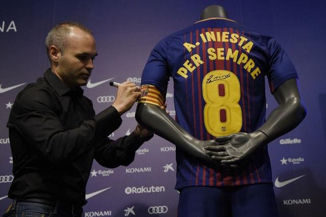 Iniesta sẽ gắn bó với Barcelona tới hết sự nghiệp