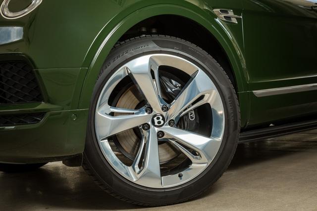 Cận cảnh Bentley Bentayga cá nhân hóa độc nhất Việt Nam - Ảnh 6.