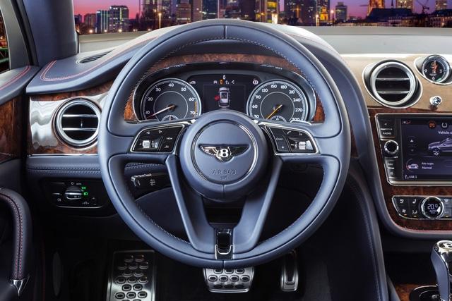 Cận cảnh Bentley Bentayga cá nhân hóa độc nhất Việt Nam - Ảnh 9.