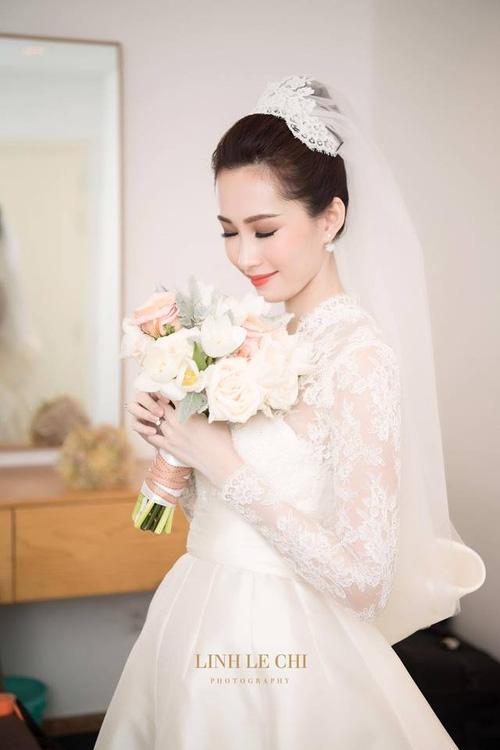 Điểm lại những đám cưới xa hoa, đình đám trong showbiz Việt khiến công chúng xuýt xoa - Ảnh 4.