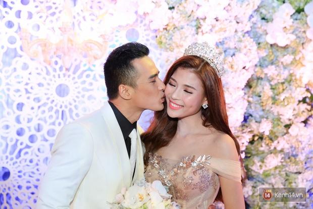 Điểm lại những đám cưới xa hoa, đình đám trong showbiz Việt khiến công chúng xuýt xoa - Ảnh 21.