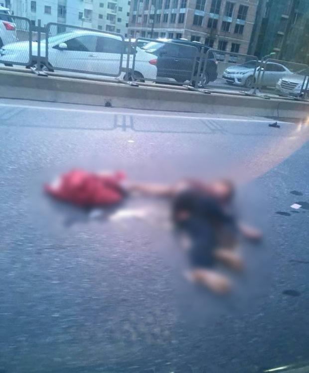 Hà Nội: Một nam thanh niên có biểu hiện say rượu chạy xe máy gây tai nạn, cả tuyến đường vành đai 3 ùn tắc - Ảnh 1.