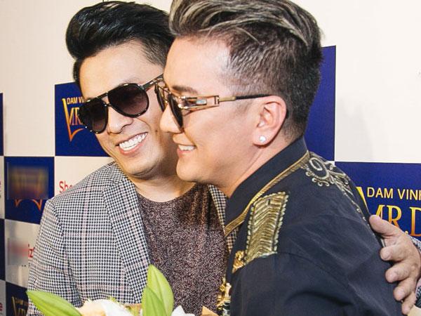 Đàm Vĩnh Hưng tặng Lam Trường điện thoại iPhone 8 nhân dịp sinh nhật