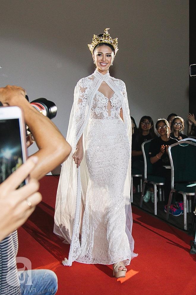 Á hậu Huyền My xinh đẹp nổi bật giữa dàn thí sinh Miss Grand International 2017 - Ảnh 10.