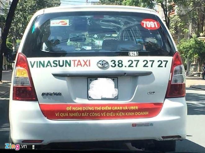 Bung no taxi dan khau hieu phan doi Uber, Grab hinh anh 1