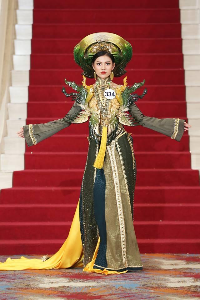 Giới thiệu bản thân bằng tiếng Anh, thí sinh Hoa hậu Hoàn vũ như hét vào mặt khán giả  - Ảnh 3.