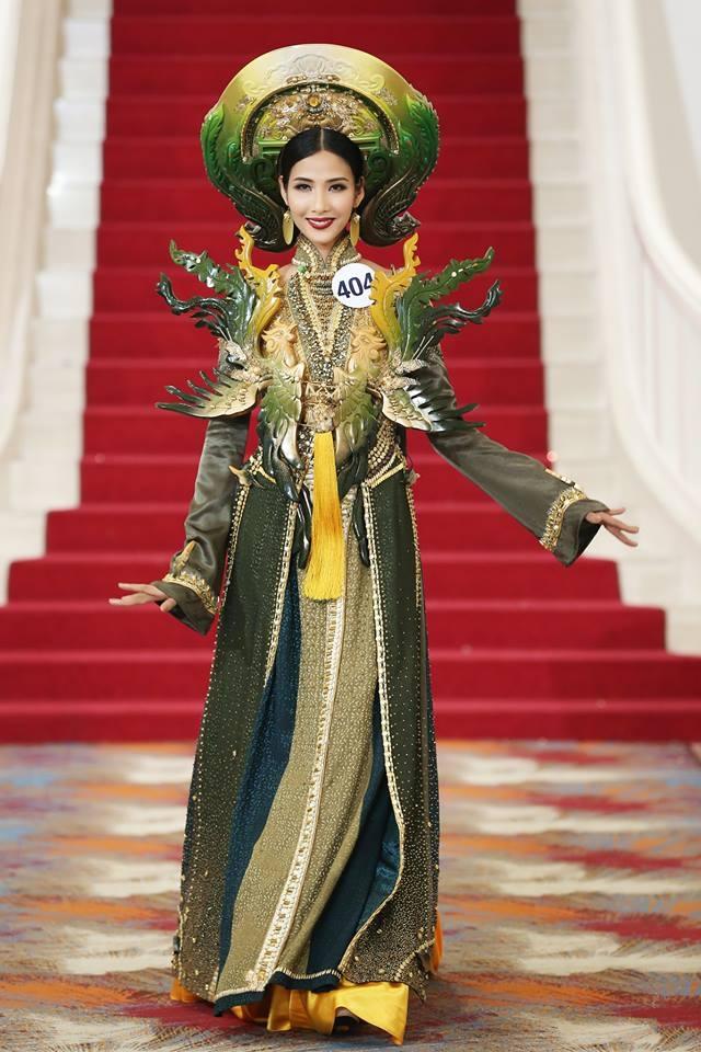 Giới thiệu bản thân bằng tiếng Anh, thí sinh Hoa hậu Hoàn vũ như hét vào mặt khán giả  - Ảnh 4.
