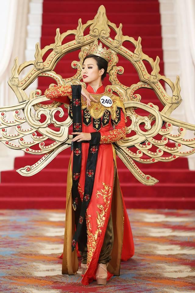 Giới thiệu bản thân bằng tiếng Anh, thí sinh Hoa hậu Hoàn vũ như hét vào mặt khán giả  - Ảnh 7.