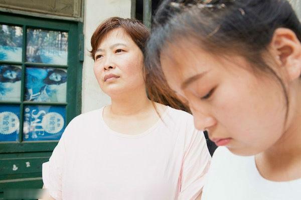 Ở riêng vẫn khổ với mẹ chồng: Một năm lên thăm nhà 8 tháng, ghen tức nếu con trai tình cảm với con dâu - Ảnh 2.