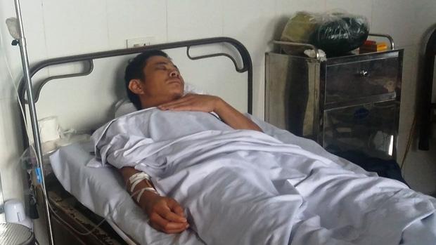 Nghệ An: Tài xế taxi bị đánh gãy xương hàm vì can ngăn 2 nhóm thanh niên xô xát - Ảnh 1.