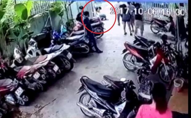 Nghệ An: Tài xế taxi bị đánh gãy xương hàm vì can ngăn 2 nhóm thanh niên xô xát - Ảnh 2.