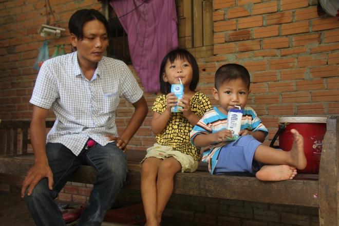 Xót cảnh 3 đứa trẻ bị chảy máu miệng, vợ chồng nghèo ngược xuôi lo cho con bị nói là dựng chuyện lừa đảo - Ảnh 5.