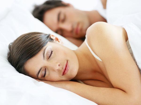 Phụ nữ ngủ nhiều hơn giúp tăng khả năng